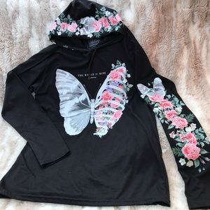 NWT 2pc Butterfly Graphic Hoodie Tie Dye Shorts